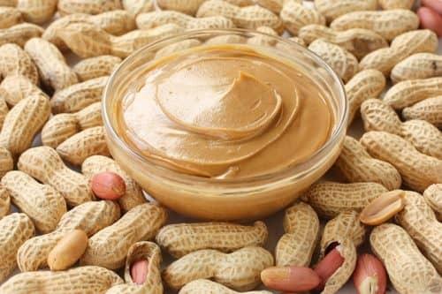 Витамин В9 в сыром арахисе
