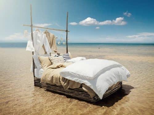 Как поставить кровать?