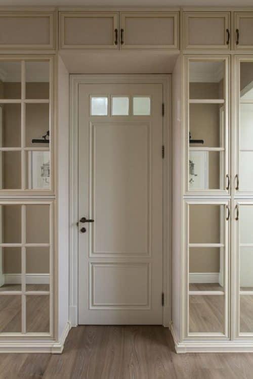 Шкаф в роли стенки