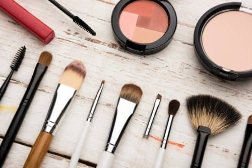 Мытье кистей для макияжа