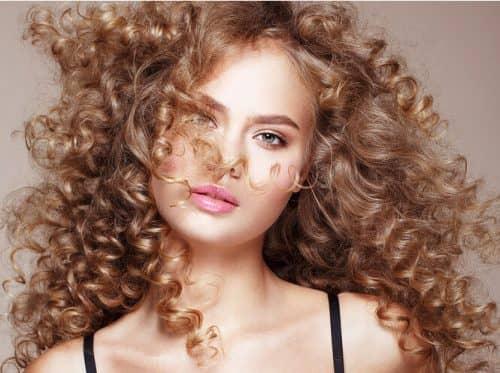 Правила ухода за вьющимися волосами