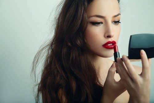 Когда не обойтись без макияжа