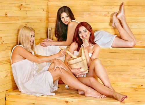 Незамужние девушки в бане