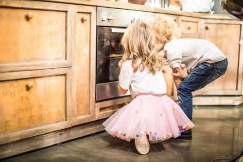 Духовой шкаф с защитой от детей